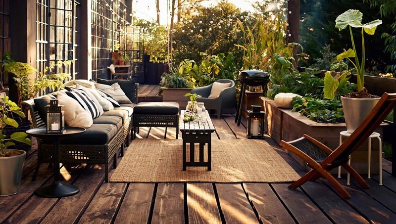 Aran acja tarasu i balkonu w stonowanych barwach pomys na taras - Table de terrasse ikea ...