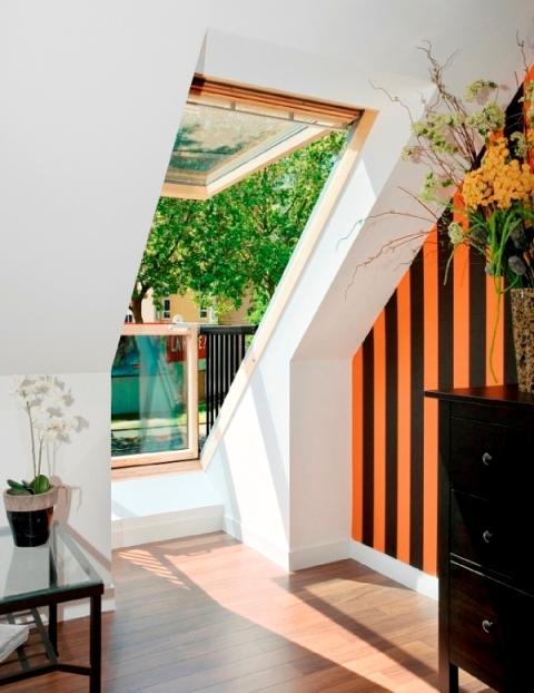 balkon-w-dachu-od-strony-wnetrza