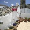 Terrasse mit Blick auf Kirche, Arcos, Andalusien