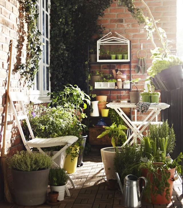 ogr d na balkonie czyli pomys na ma y balkon. Black Bedroom Furniture Sets. Home Design Ideas