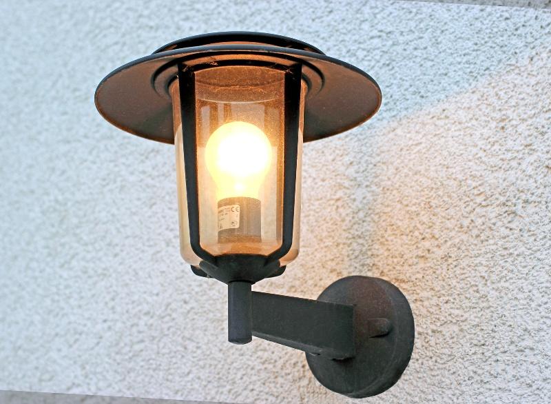 oswietlenie-tarasu-kinkiet-2-jpg