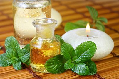 Wohltuende Aromaöle und Minze