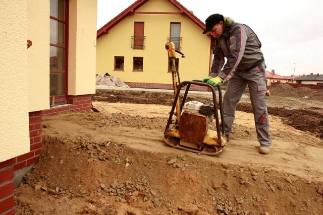 Taras na gruncie z płyt betonowych. Budowa tarasu w jeden dzień
