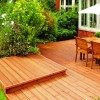 Co zagraża drewnu? Jak chronić drewniany taras i meble?