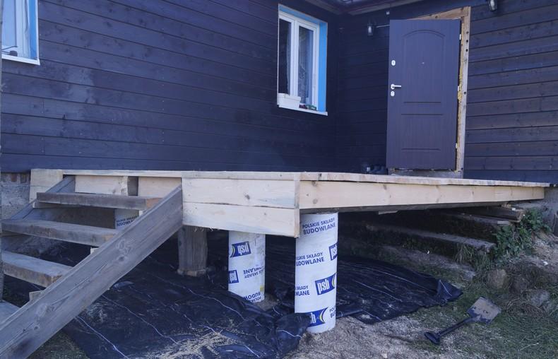 taras-drewniany-montaz